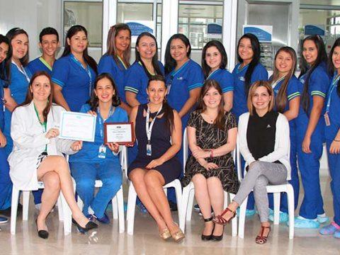 Unidad de Esterilización de FOSCAL Internacional recibe premio